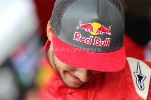 Daniel Abt - having fun signing for fans